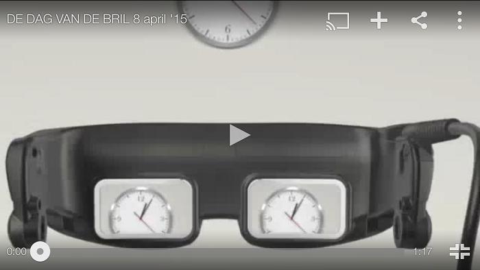 Standstil van de Usherfilm met een bril met klokje erop voor de dag van de bril - 8 april 2015