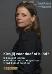 Machteld kijkt in de camera met tekst: Kies jij voor doof of blind?